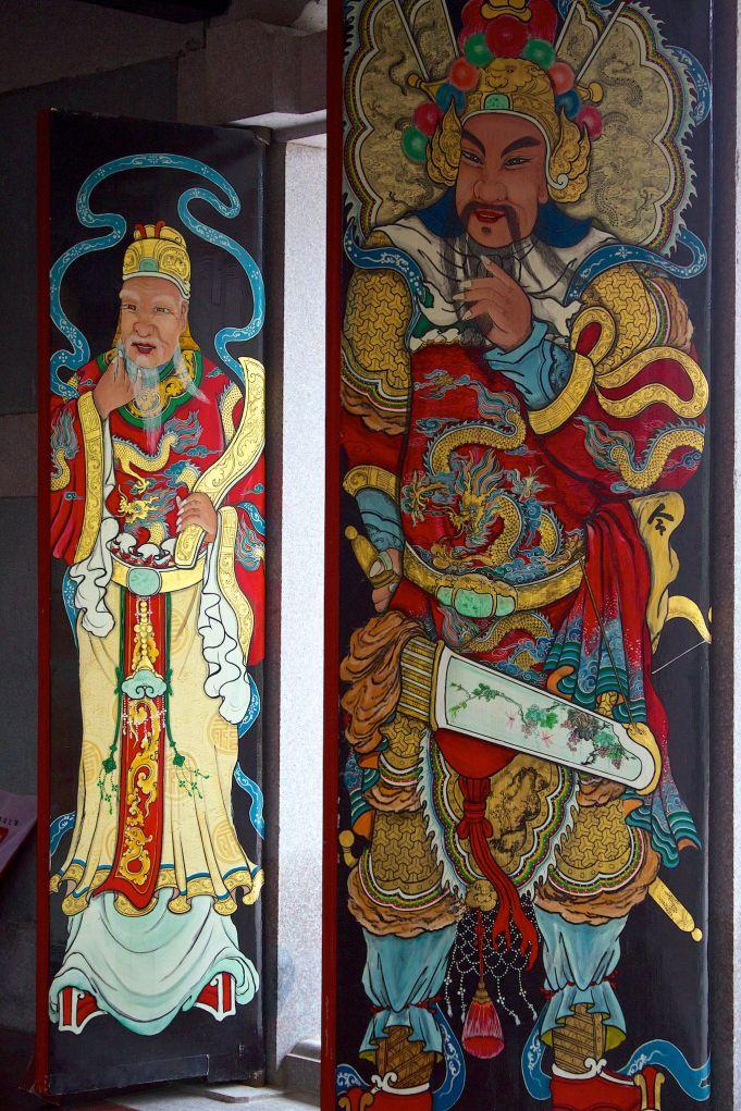 shantou university temple doors