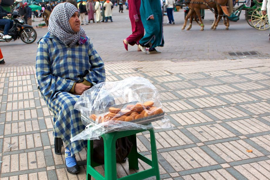 marrakech biscuit seller